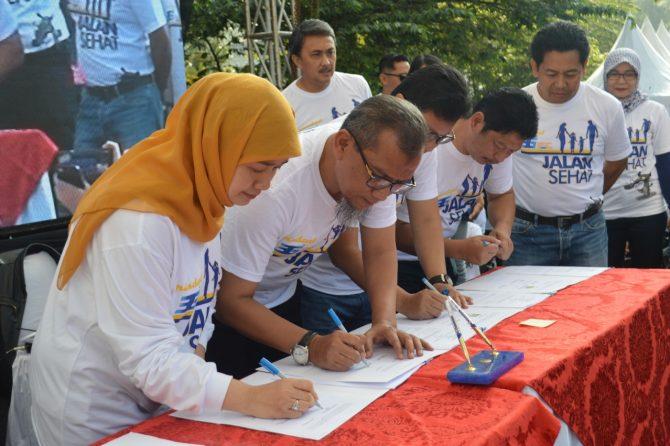 Penandatangan MoA Pengembangan RS Pindad di Acara HUT PT Pindad (Persero) ke 36